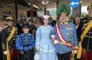 Festumzug Bad Ischl-Ihre kaiserliche Hoheit auf dem Weg zur Kutsche