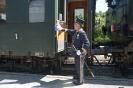 Kaiserzug Ankunft in Bad Ischl Der Kaiserzug Manger poliert noch schnell den Türgriff für den Kaiser